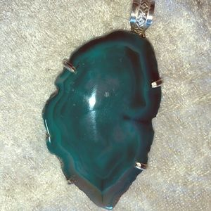 Jewelry - Beautiful Druzy Agate Pendent